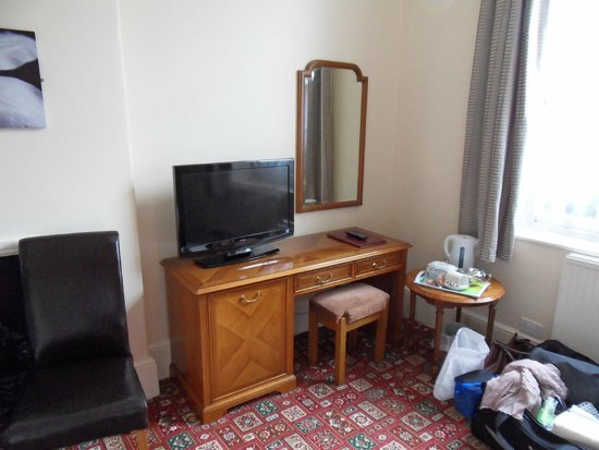 The Dolphin Hotel: Room 9