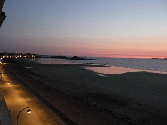 Kyriad Saint Malo Centre - Plage : Lever du soleil