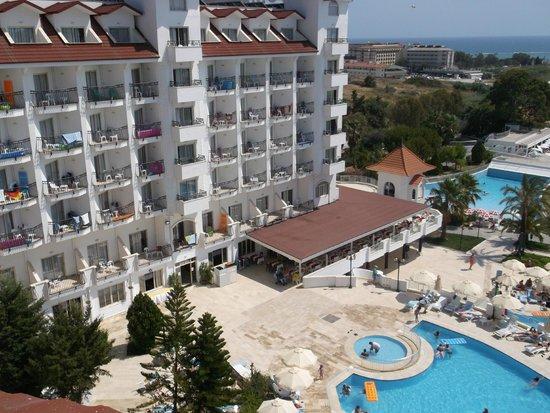 Serenis Hotel: Вид из номера