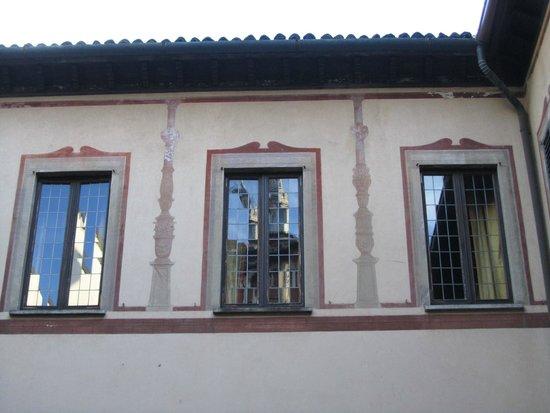 Brera Apartments: Santa Maria delle Grazie reflected in the window
