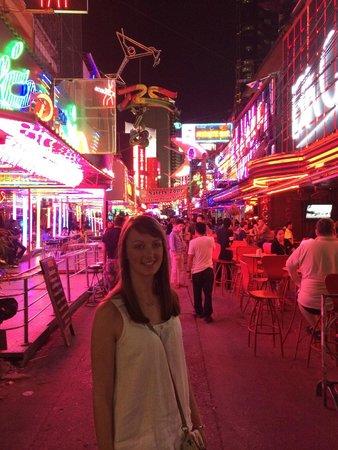 Rembrandt Hotel Bangkok: Cowboy Street