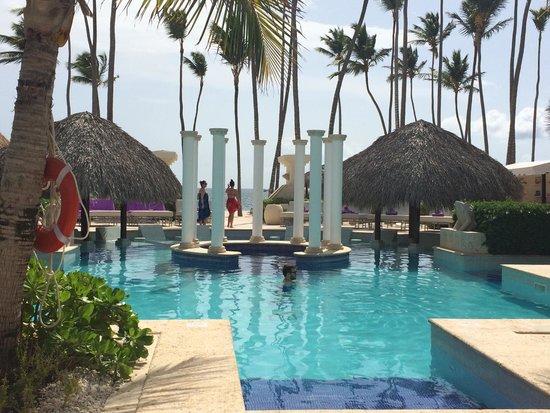 Paradisus Palma Real Golf & Spa Resort: Royal Service pool