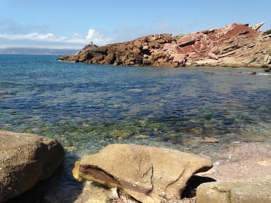 Spiaggia Torre del Porticciolo: Cala Viola