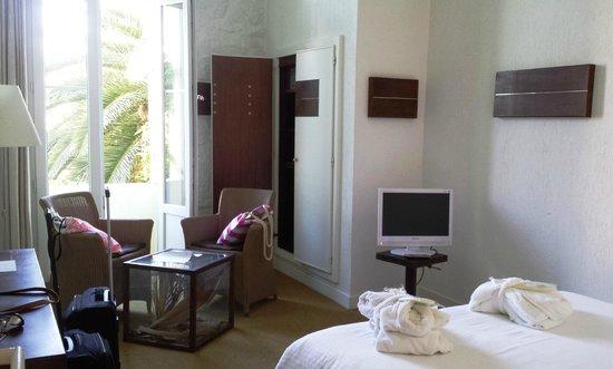 Hotel Windsor Nice : Clean stylish room