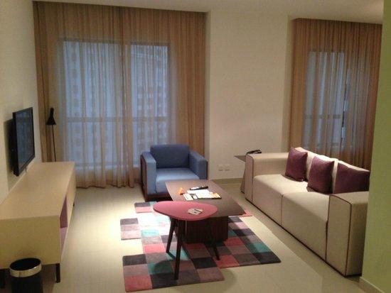 Hawthorn Suites by Wyndham Dubai, Jbr: Soggiorno