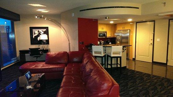Elara by Hilton Grand Vacations : living room