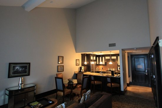 Waldorf Astoria Park City: Large living room 1bd/2ba room
