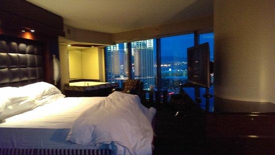 Elara by Hilton Grand Vacations : Master suite