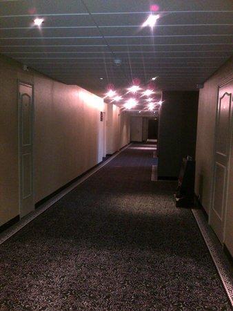 Best Western Grand Hotel Le Touquet : le couloir de l'hôtel