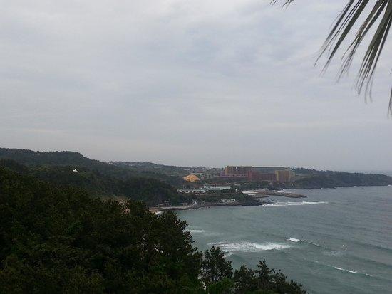 Hyatt Regency Jeju: ホテル前の海岸