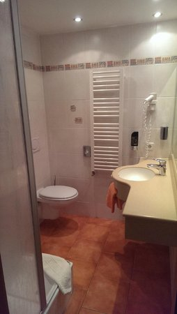 Zum Rössle Hotel Gasthof: bathroom