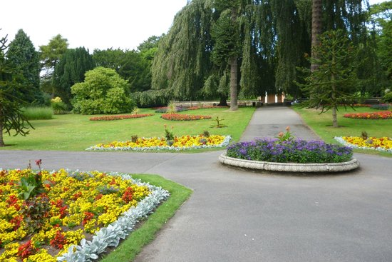 Sewerby Hall and Gardens: childrens entertainment