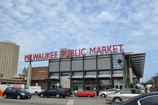 Milwaukee Public Market: outside