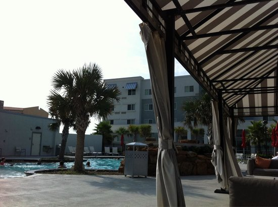 TownePlace Suites by Marriott Galveston Island: Nice pool area.