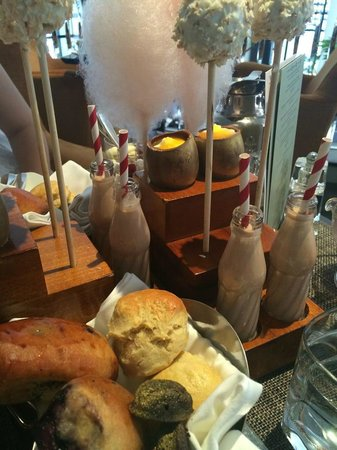 One Aldwych : The wonderful afternoon tea!