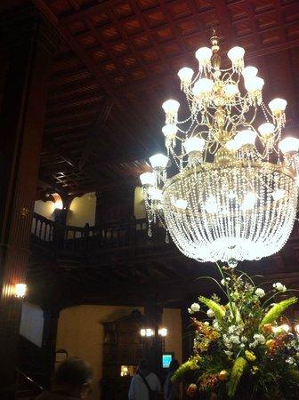 Hotel del Coronado: reception lobby