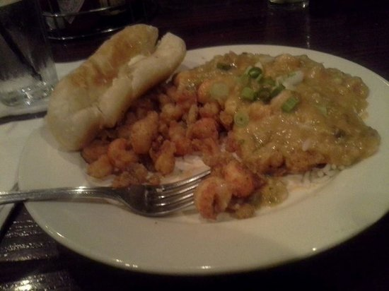Parrain's Seafood Restaurant: fried crawfish tails and etoufee