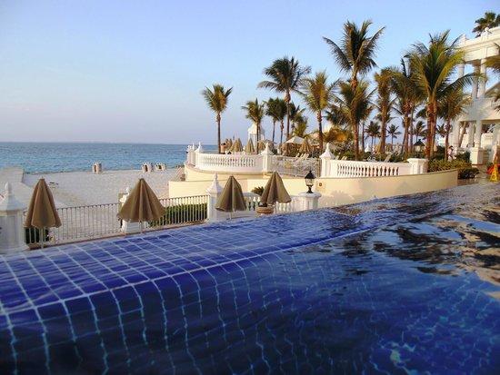 Hotel Riu Palace Las Americas : Piscina infinita