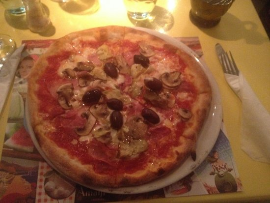 Catari Ristorante Italiano : Delicious pizza