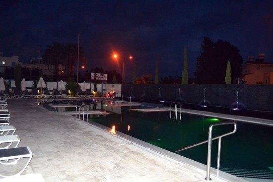 The King Jason: Hydro Pools