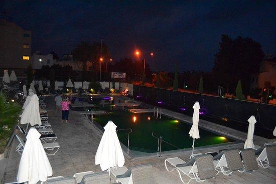 The King Jason Paphos: Hydro Pools