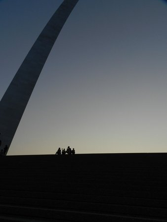 Gateway Arch: The Arch at dusk