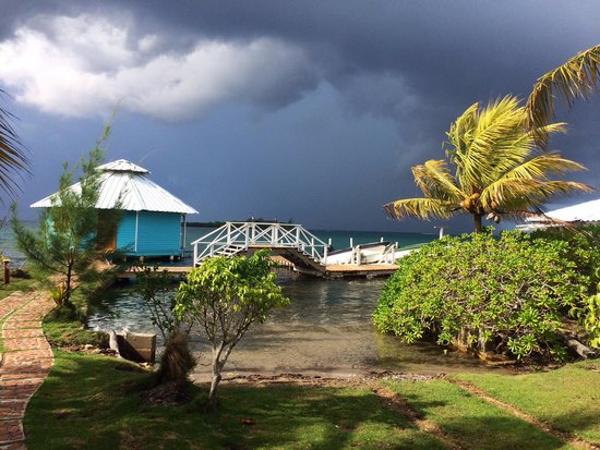 Mango Creek Lodge: It may storm elsewhere but the sun always shines on Mango Creek