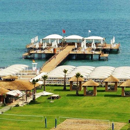 Regnum Carya Golf & Spa Resort: So habe ich den Strandbereich leider noch nicht gesehen. Hotelfoto. Ansonsten