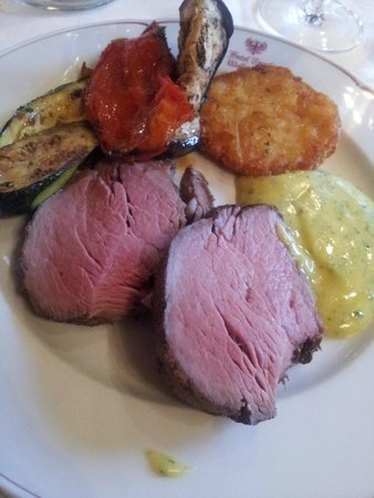 Hotel Tyrol: The finale of Sunday Gala dinner- Chateaubriand - perfection!