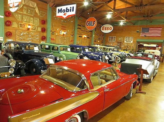 Fort Lauderdale Antique Car Museum: Awesome selection of vintage Packards