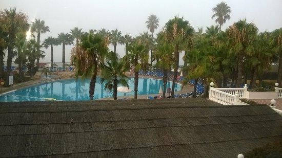 Marbella Playa Hotel : PISCINE