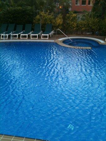 Aparthotel SunClub Salou : pool