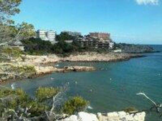 Aparthotel SunClub Salou : cap salou beach