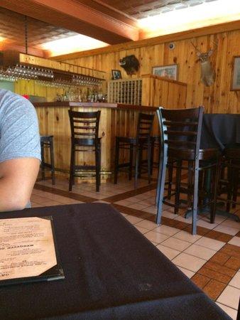 Butch's: Bar area