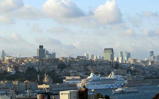 Pasazade Restaurant Ottoman Cuisine: Rooftop view_Erboy Hotel above Paşazade, Istanbul