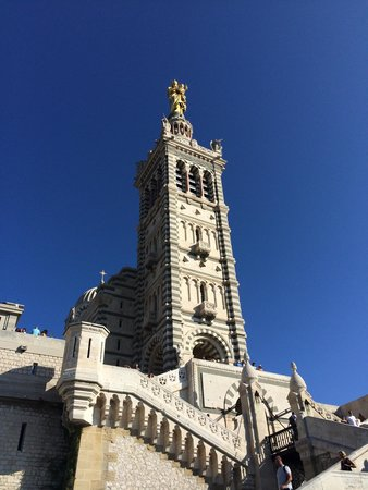 Basilique Notre-Dame de la Garde : Majestueuse !