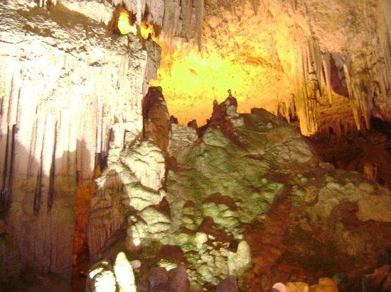Frecce delle Grotte di Antonio Piccinnu: Colourful image