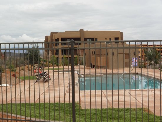 The Villas At Sand Hollow: view of Villas and pool area