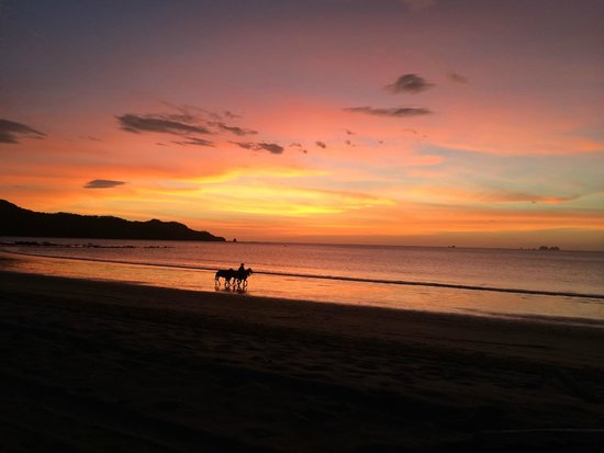 Villas Jinesta: Playa Brasilito. Atardecer.