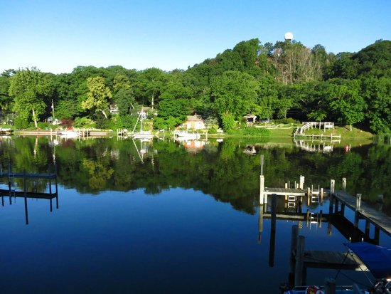 Saugatuck Landings Luxury Suites & Marina: The view from the balcony