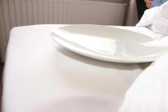 Mercure Düsseldorf Neuss: We asked for a bowl....We got a plate?!
