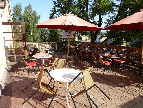Schlosshotel Zdikov: breakfast terrace