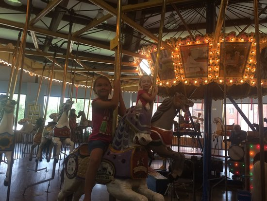 C.W. Parker Carousel Museum: Kids loved it!