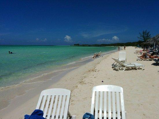 Memories Caribe Beach Resort: Plage superbe