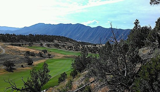"Lakota Canyon Golf Course: A ""life is good"" view."