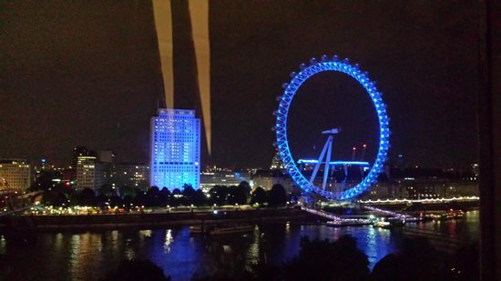 The Royal Horseguards : London Eye from the room