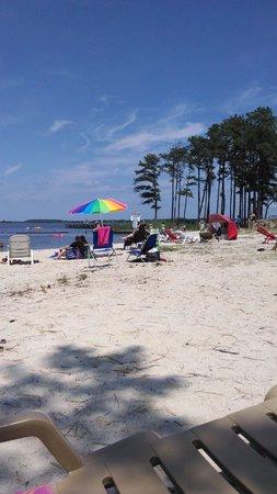 Tall Pines Harbor Campground : nice beach area