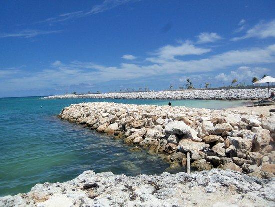 Alsol luxury village beach area
