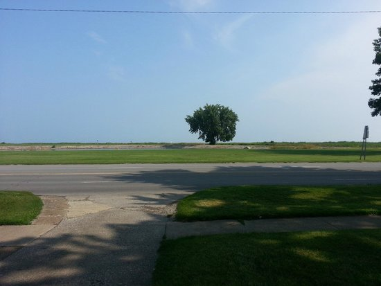 View of Lake Erie from the front of the Bay Haven Inn