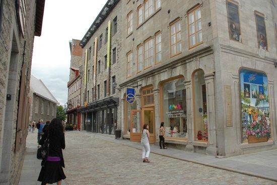 Place Royale : Rue